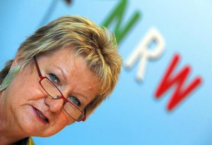 Der-Blick-ins-neue-Schuljahr-Ministerin-Loehrmann-will-ueberzaehlige-Lehrerstellen-nicht-einsparen_image_630_420f_wn